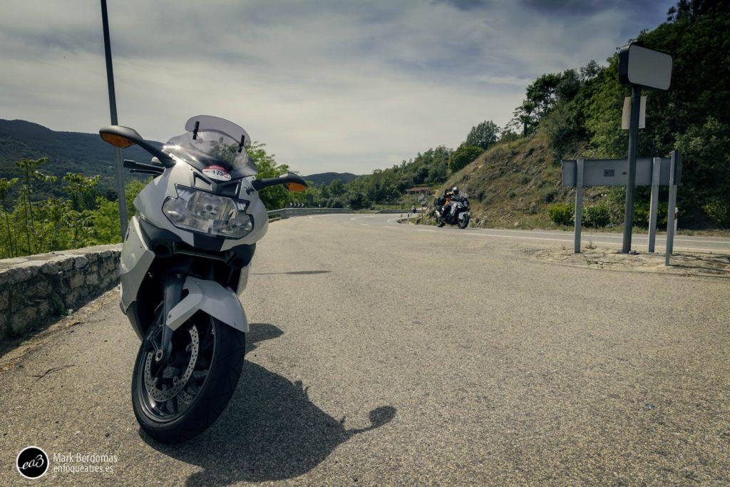 El paso de las motos por el castillo de Mombeltrán 1