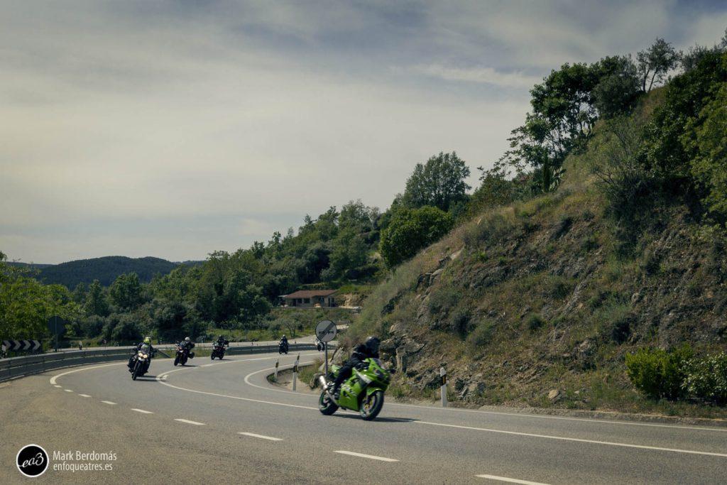 El paso de las motos por el castillo de Mombeltrán 3